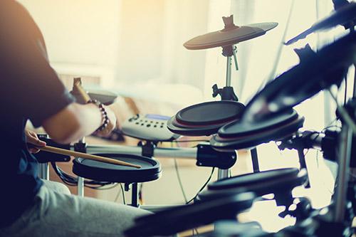 Igranje elektronskih bobnov
