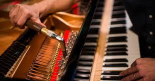 Uglaševanje klavirja s ključem