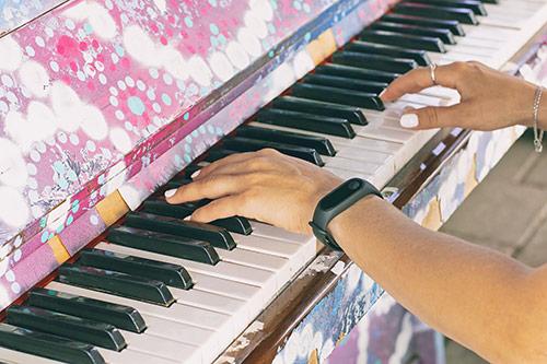 Tehnike ogrevanja za pianiste