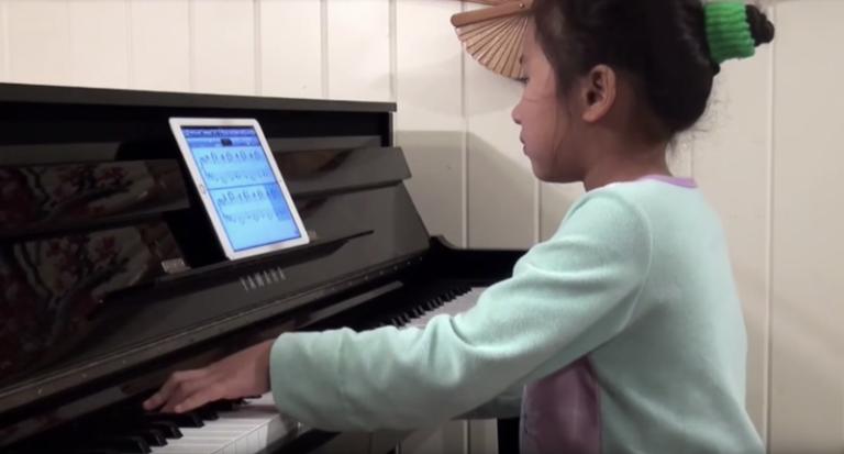 Igranje na akustični klavir