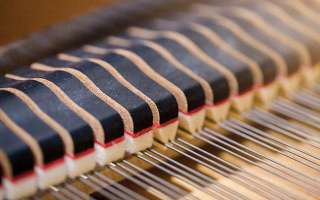 Mehanika akustičnega klavirja