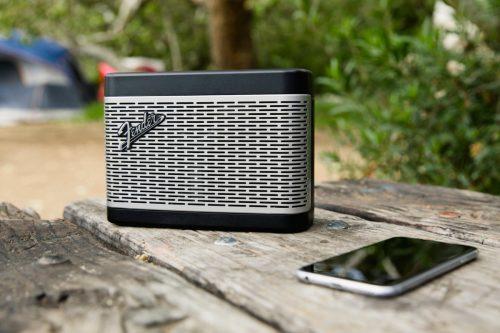 Bluetooth zvočnik Newport BLK Fender