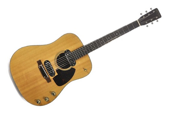 Kurt Cobain - kitara Martin D-18E