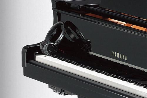 Vmesnik za tiho igranje na klavir